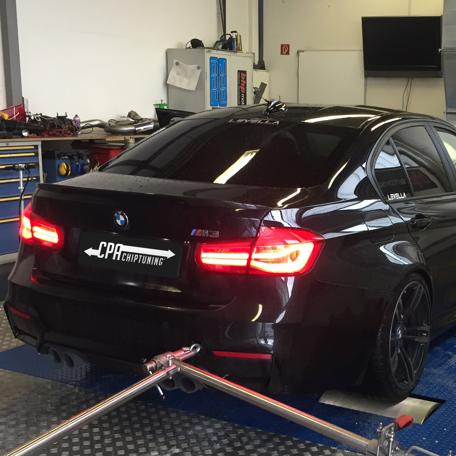 为the new BMW M3开发chiptuing